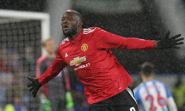 Manchester United's Romelu Lukaku turns on power to sink Huddersfield