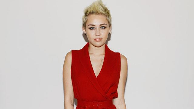 Miley Cyrus Explains Missing Engagement Ring