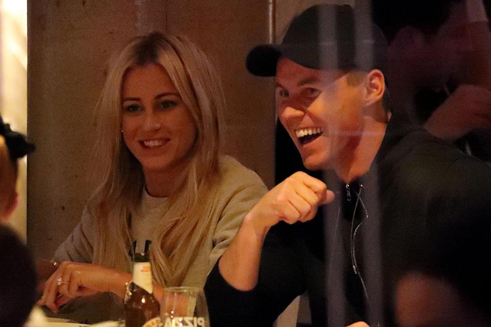 It looks like things are definitely back on as the couple enjoyed some laughs together at dinner.