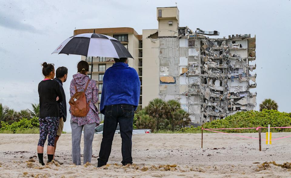 A 12-story oceanfront condo tower partially collapsed in the town of Surfside, spurring a massive search-and-rescue effort with dozens of rescue crews from across Miami-Dade and Broward counties on June 24, 2021. (TNS via ZUMA Wire)