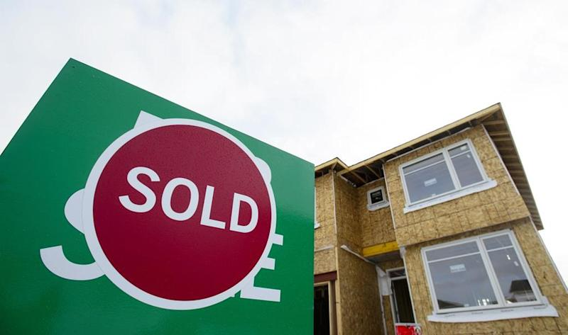 Tempted by low mortgage rates? Consider fees, penalties for refinancing first