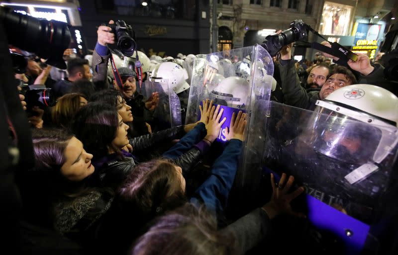 Turkish police use tear gas in Istanbul to disperse Women's Day crowd