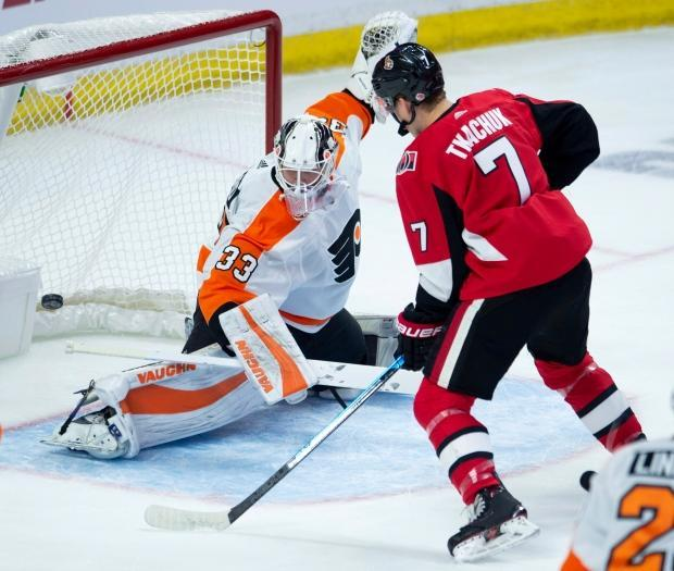 Flyers pound Senators to put damper on rookie Tkachuk's big night