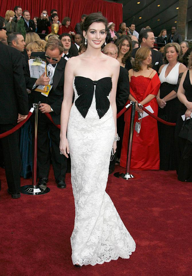 BEST: Anne Hathaway at the 79th Annual Academy Awards - 02/25/2007