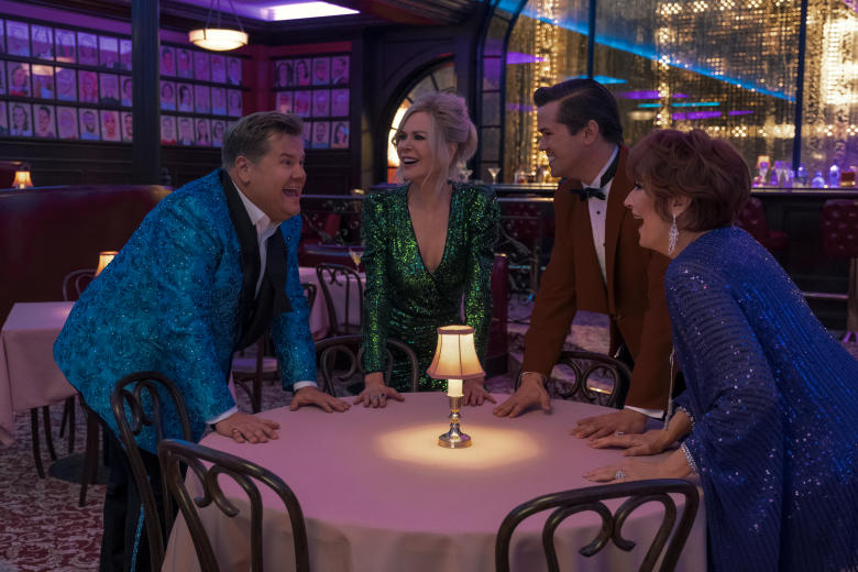 THE PROM (L to R) JAMES CORDEN as BARRY GLICKMAN, NICOLE KIDMAN as ANGIE DICKINSON, ANDREW RANNELLS as TRENT OLIVER, MERYL STREEP as DEE DEE ALLEN in THE PROM. Cr. MELINDA SUE GORDON/NETFLIX © 2020