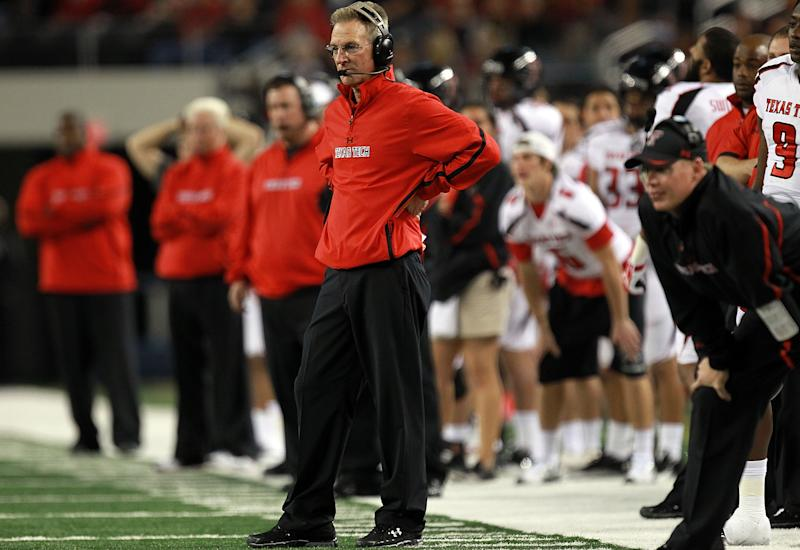 Kliff Kingsbury looks uneasy about meeting Tommy Tuberville after Iraq comparison
