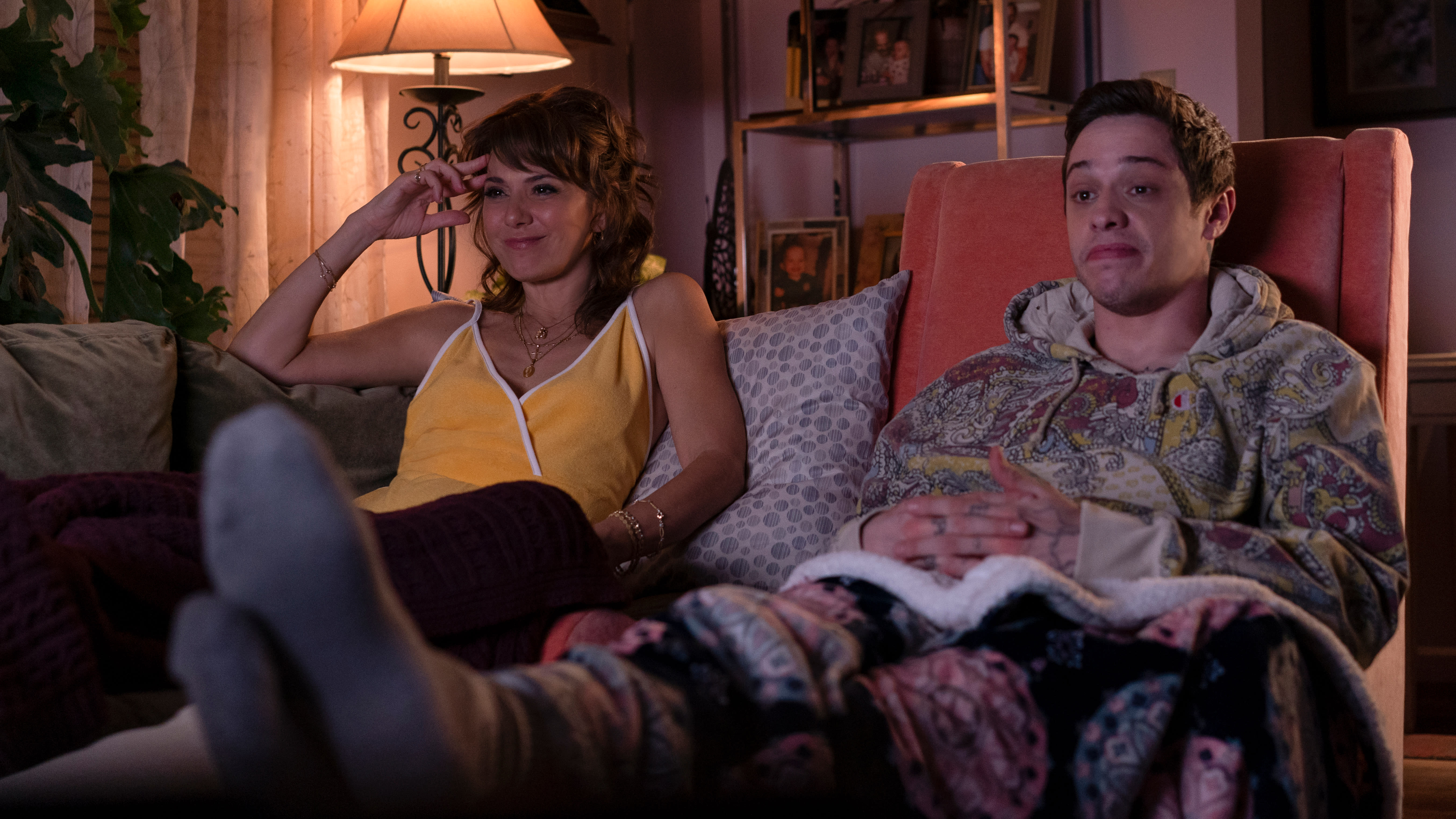 Marisa Tomei and Pete Davidson in 'The King of Staten Island'. (Credit: Mary Cybulski/Universal)
