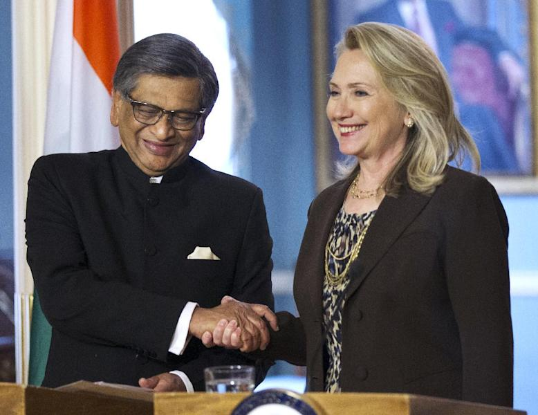 Secretary of State Hillary Rodham Clinton shakes hands with Indian Foreign Minister S.M. Krishna at the State Department in Washington, Wednesday, June 13, 2012. (AP Photo/Manuel Balce Ceneta)