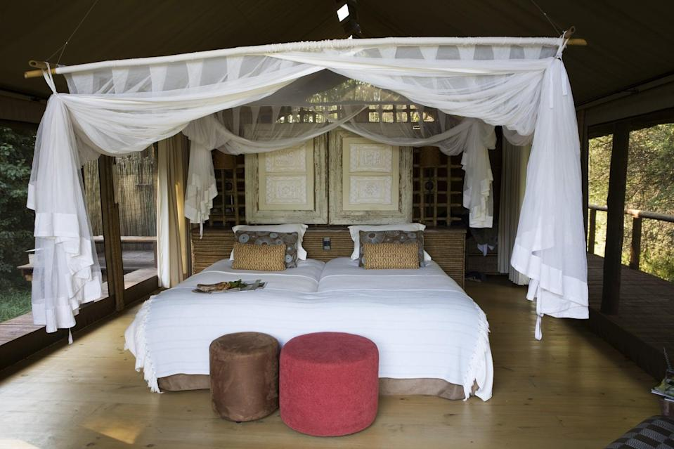 <p>Mosquito nets are the classic way to keep mosquitoes at bay. Used throughout the world for their effectiveness, they also add a romantic ambiance to a space. Install a mosquito net above your bed to keep these pesky bugs away from you while you sleep.</p>