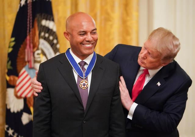 Mariano Rivera received the Presidential Medal of Freedom from Donald Trump. (MANDEL NGAN/AFP/Getty Images)