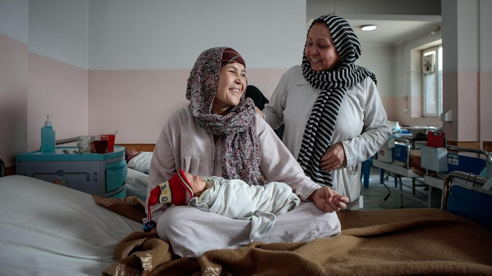 """<div class=""""paragraphs""""><p>Zakia has just given birth to twins, Abbas and Qasim, born 20 minutes apart. Abbas, who came first, is also the smallest; he was hypoglycemic at birth and was placed in the incubator for a few hours. (Afghanistan, Dec 2019)</p></div>"""