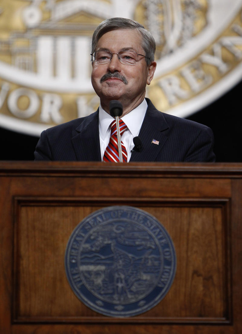 Iowa Gov. Terry Branstad smiles as he gives his inaugural address, Friday, Jan. 14, 2011, in Des Moines, Iowa. (AP Photo/Charlie Neibergall)