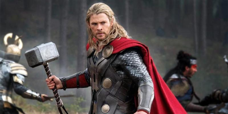 "Chris Hemsworth doesn't miss Thor's hammer in ""Ragnarok"" — and honestly, we are distraught"