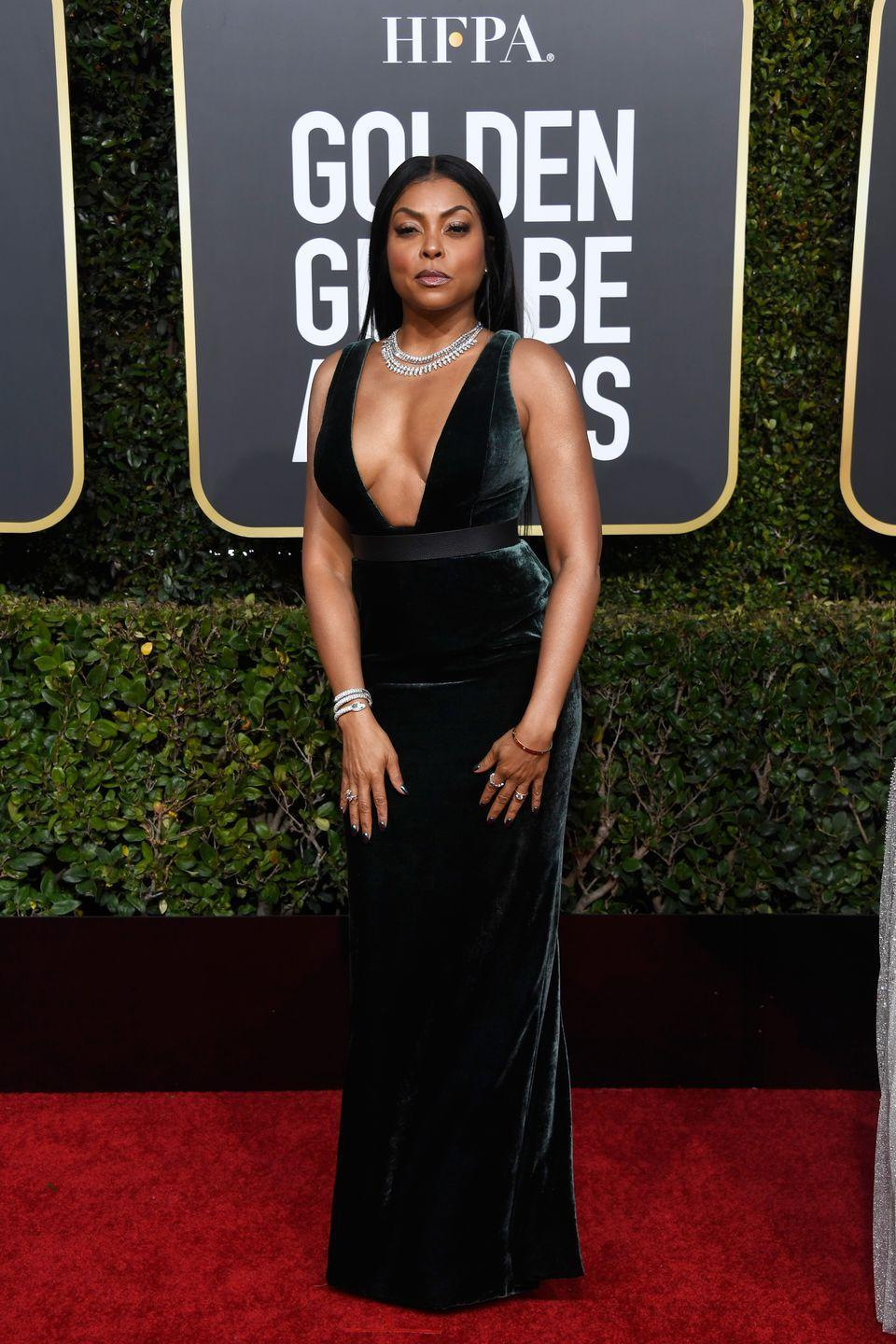 <p>The actress has never shied away from a form-hugging dress, and with a body like that, why should she? Her dark green velet gown by Vera Wang (her go-to) with ample décolletage was a head-turner. </p>