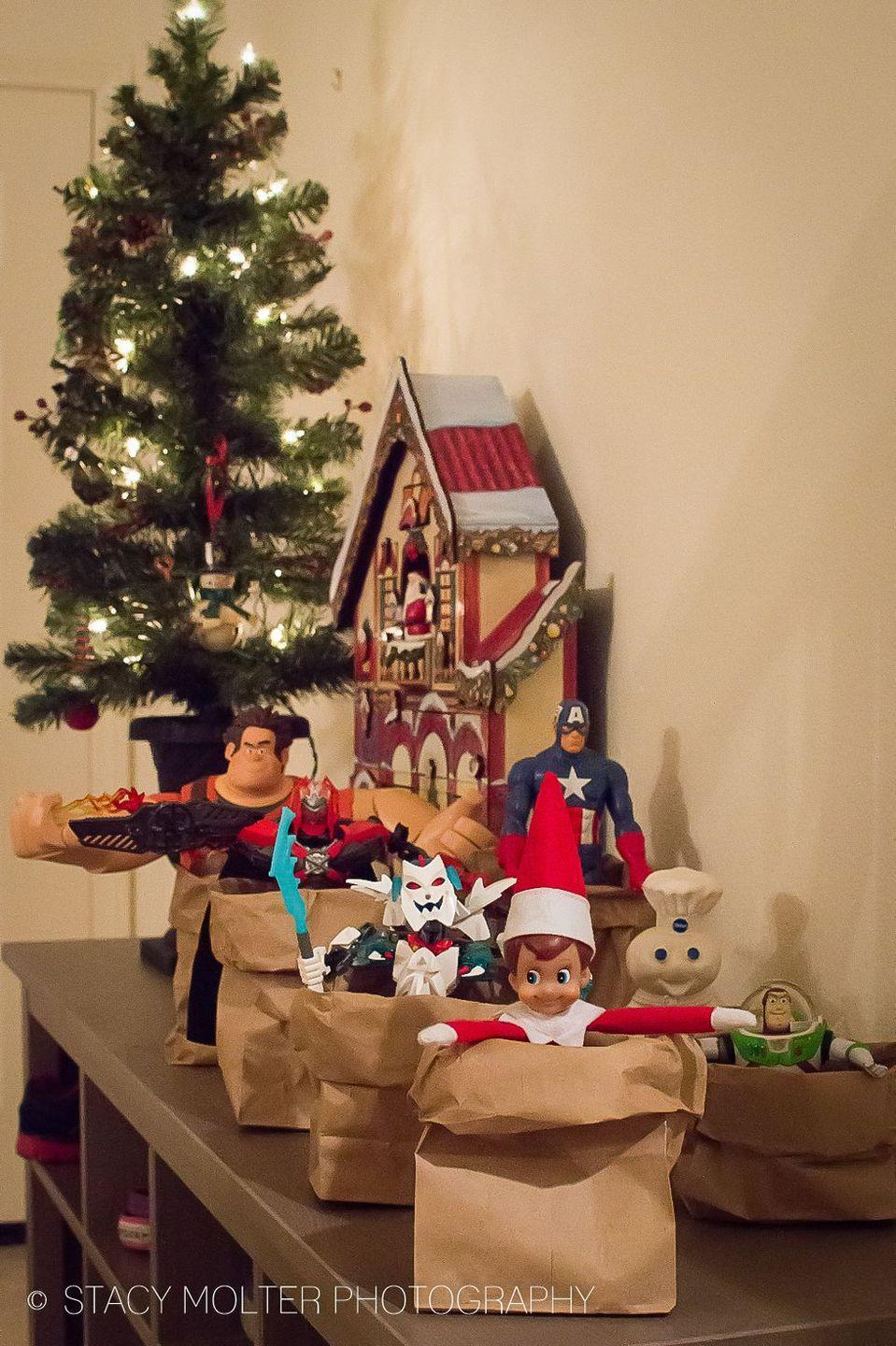 """<p>If your Elf has friends, here's a fun way to let them in on the Christmas mischief: Host a sack race!</p><p><strong>Get the tutorial at <a href=""""https://californiaunpublished.com/45-amazingly-easy-elf-on-the-shelf-ideas-for-busy-moms/"""" rel=""""nofollow noopener"""" target=""""_blank"""" data-ylk=""""slk:California Unpublished"""" class=""""link rapid-noclick-resp"""">California Unpublished</a>.</strong></p><p><a class=""""link rapid-noclick-resp"""" href=""""https://www.amazon.com/Small-Brown-Paper-Bags-Pack/dp/B00GVL4SDW?tag=syn-yahoo-20&ascsubtag=%5Bartid%7C10050.g.22690552%5Bsrc%7Cyahoo-us"""" rel=""""nofollow noopener"""" target=""""_blank"""" data-ylk=""""slk:SHOP PAPER BAGS"""">SHOP PAPER BAGS</a></p>"""