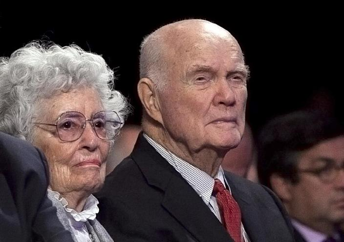 Retired astronaut and US Sen. John Glenn, seen in 2012 with his wife Annie Glenn, had been admitted more than a week ago to the James Cancer Hospital at Ohio State University (AFP Photo/Allison Joyce)