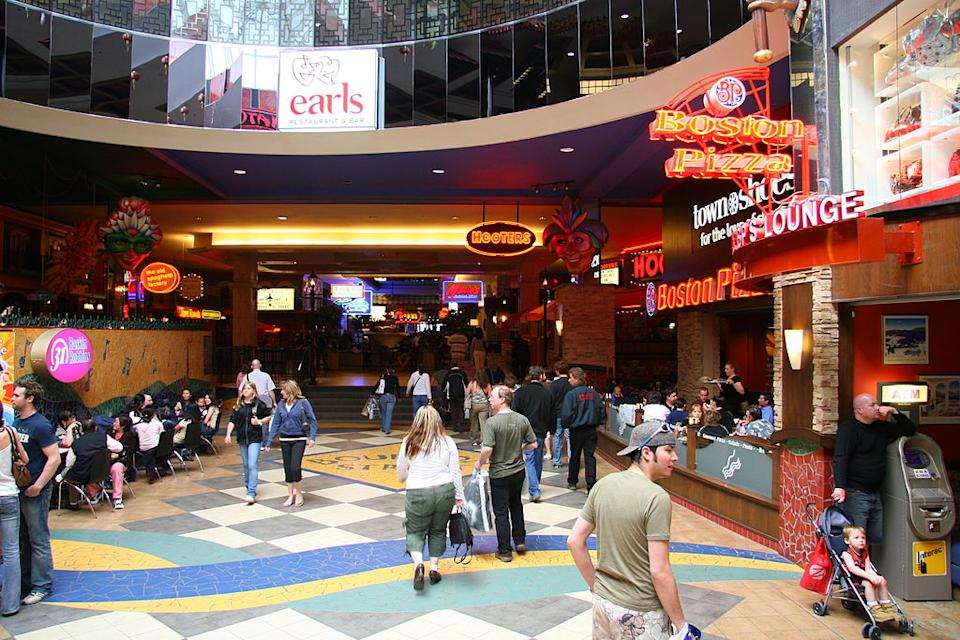 <p><b>13. West Edmonton Mall </b></p> <p>Edmonton, Alberta, Canada</p> <p>Gross Leasable Area (GLA): 350,000 sqm</p> <p>Photo: By Simon Law (originally posted to Flickr as Junk food) [CC-BY-SA-2.0 (http://creativecommons.org/licenses/by-sa/2.0)], via Wikimedia Commons</p>