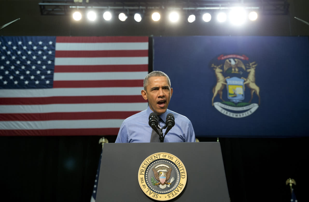 <p>Pres. Barack Obama speaks at Flint Northwestern High School in Flint, Mich., about the ongoing water crisis.<i> (Photo: Carolyn Kaster/AP)</i></p>