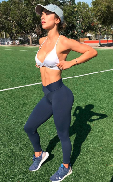 Anllela Sagra poses in active wear makes $60,782.55 for a photo or video