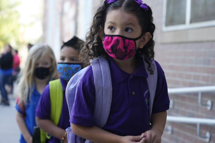 Students wear face coverings