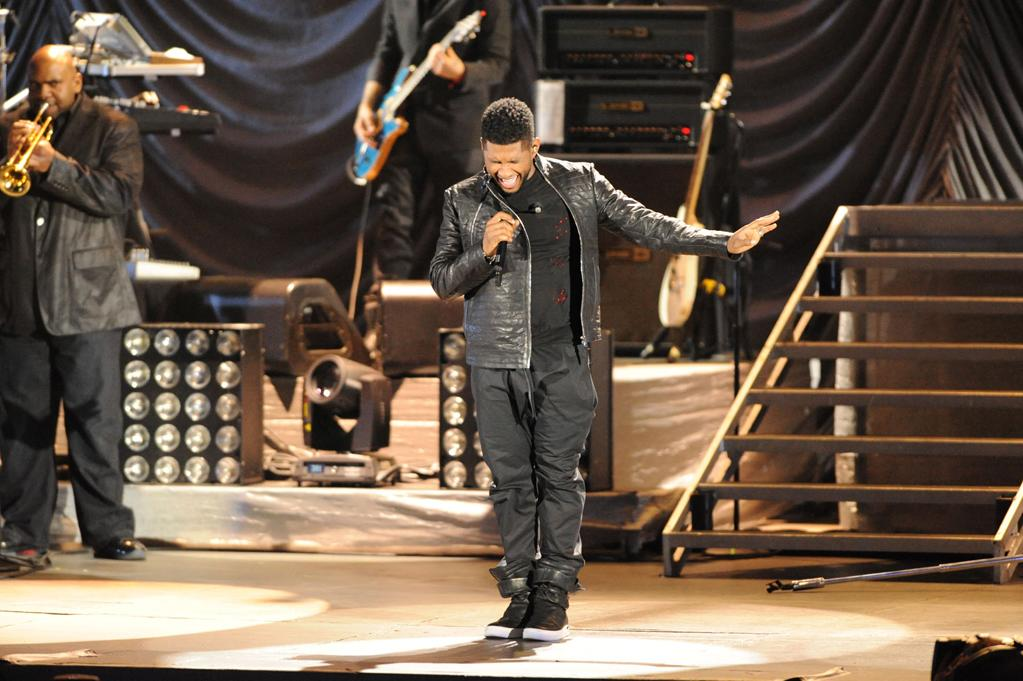 """Usher performs at the """"A Decade of Difference"""" concert on October 15, 2011, at the Hollywood Bowl, Los Angeles. <br><br>(Photo by Stephanie Cabral/Yahoo!)"""