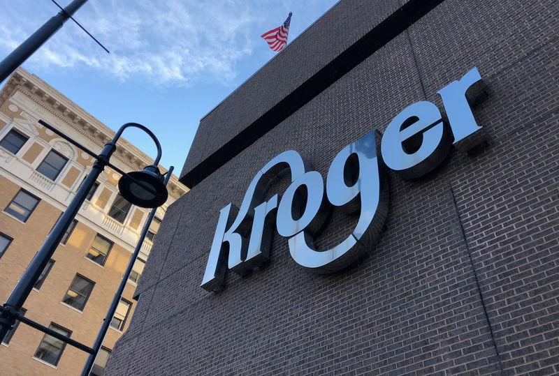 Kroger 2020 profit, sales estimates top expectations; shares surge