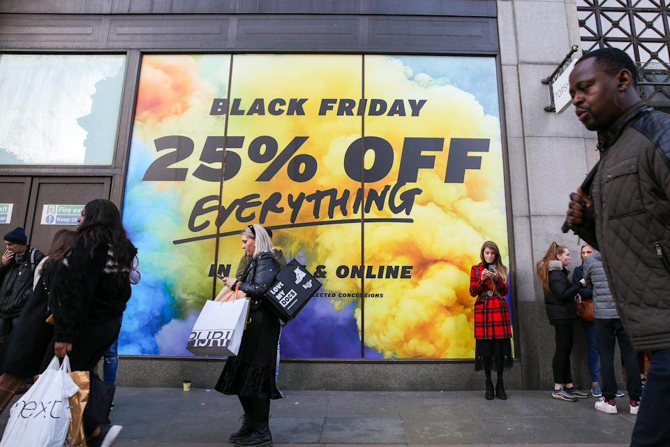 Bargain hunters take advantage of a huge saving as departmental stores on Oxford Street cut down their prices during the Black Friday event. Black Friday is a shopping event where retailers cut prices on the day after the Thanksgiving holiday which originated from the US. (Photo by Steve Taylor / SOPA Images/Sipa USA)
