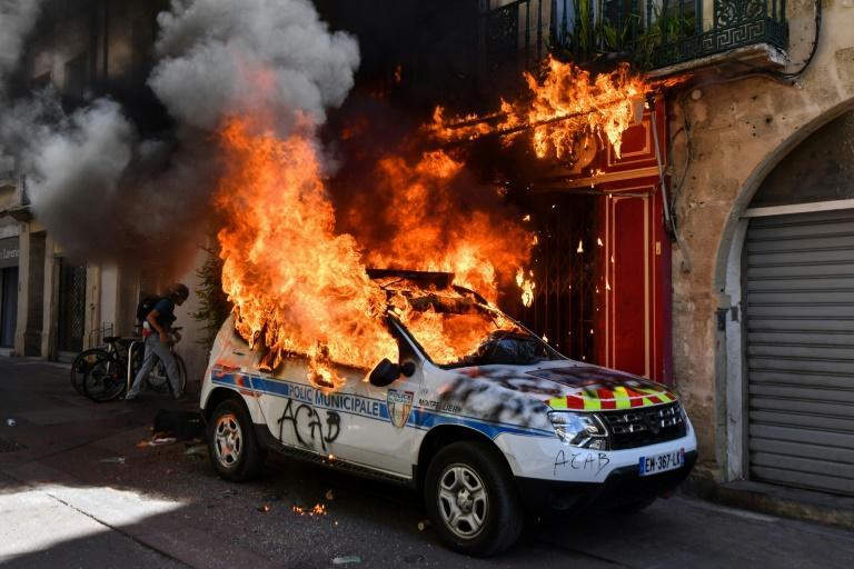 French interior ministry figures show 2,500 demonstrators have been wounded during the Gilet Jaunes (yellow vests) protests, along with 1,800 police officers
