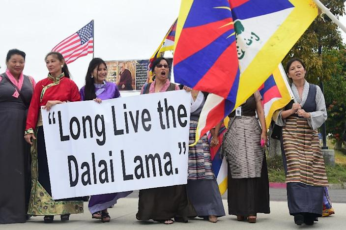 Supporters of the Dalai Lama gather on July 5, 2015 in Anaheim, California, where the religious leader will speak and celebrate his 80th birthday (AFP Photo/Frederic J. Brown)