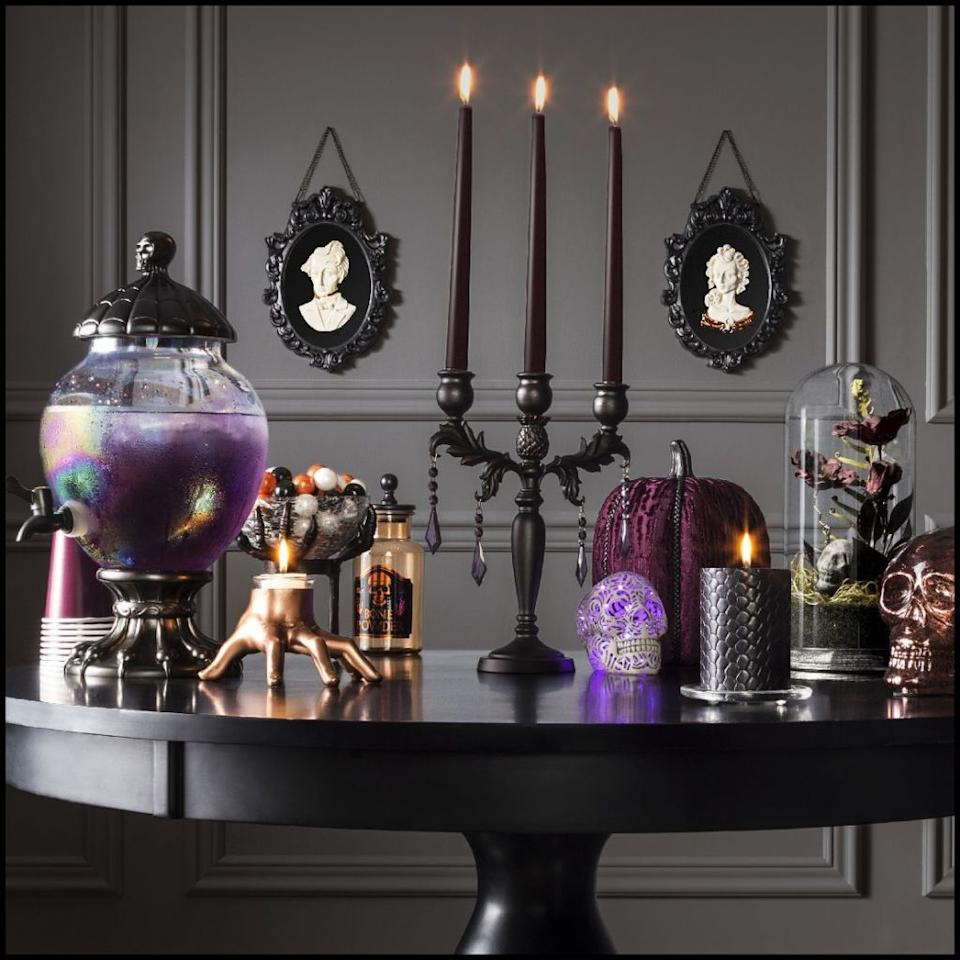 target 39 s halloween decor will make you wish it was already october. Black Bedroom Furniture Sets. Home Design Ideas