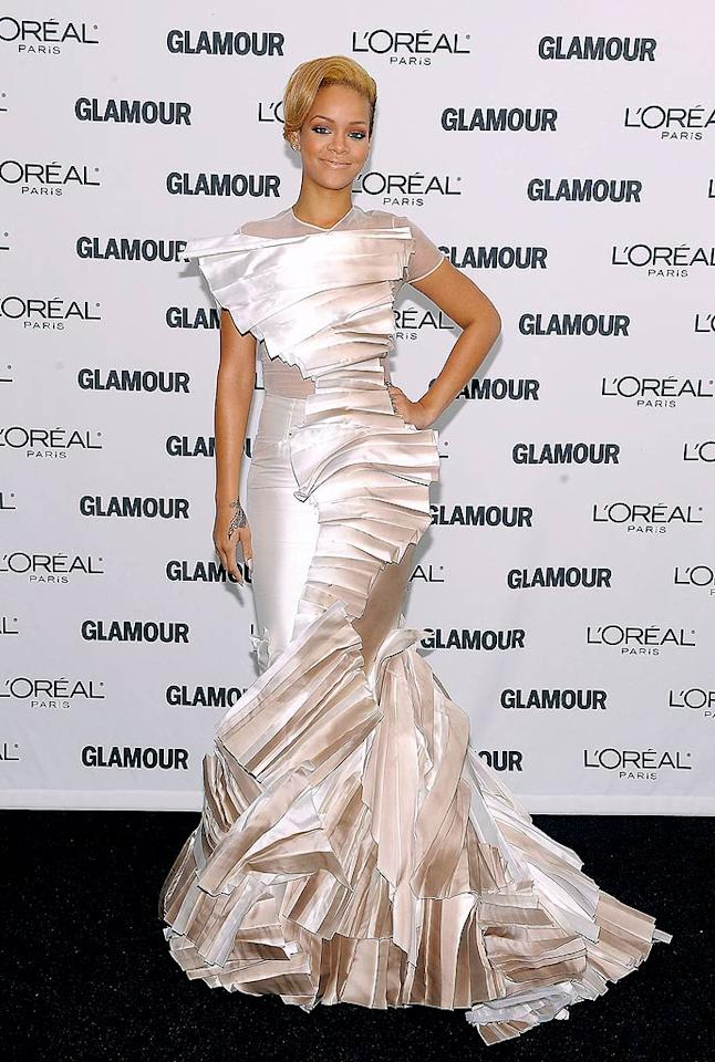 "As usual, Rihanna stood out on the red carpet in a form-fitting Stephane Rolland gown upon arriving at Carnegie Hall in NYC, where where she was honored as one of Glamour's 2009 Women of the Year. Michael Loccisano/<a href=""http://www.wireimage.com"" target=""new"">WireImage.com</a> - November 9, 2009"