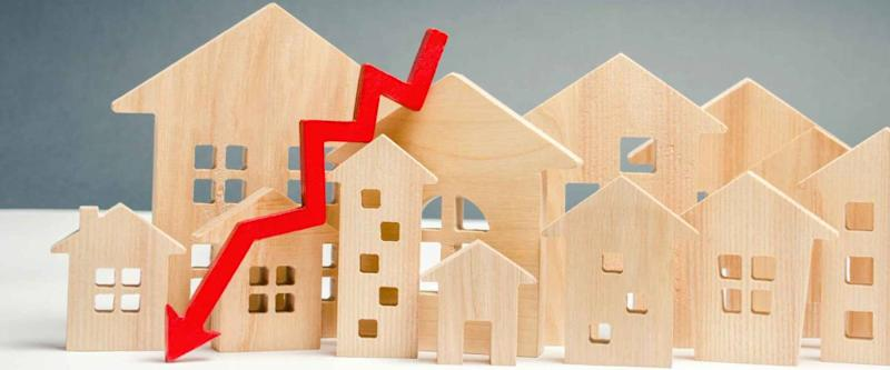 The concept of falling mortgage rates.