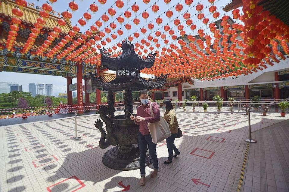 Unlike previous years, Thean Hou Temple had much fewer visitors this Chinese New Year. — Picture by Miera Zulyana