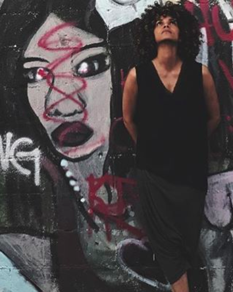 """<p>The actress is apparently a big fan of the public paint. """"Never not stopping to appreciate some street art,"""" she captioned this second photo. (Photo: <a rel=""""nofollow"""" href=""""https://www.instagram.com/p/BQB9GNQhuAn/?taken-by=halleberry&hl=en"""">Instagram</a>) </p>"""