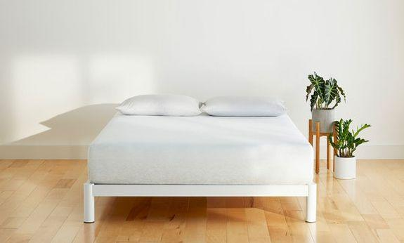 Save 10% on any order that includes a mattress at Casper.