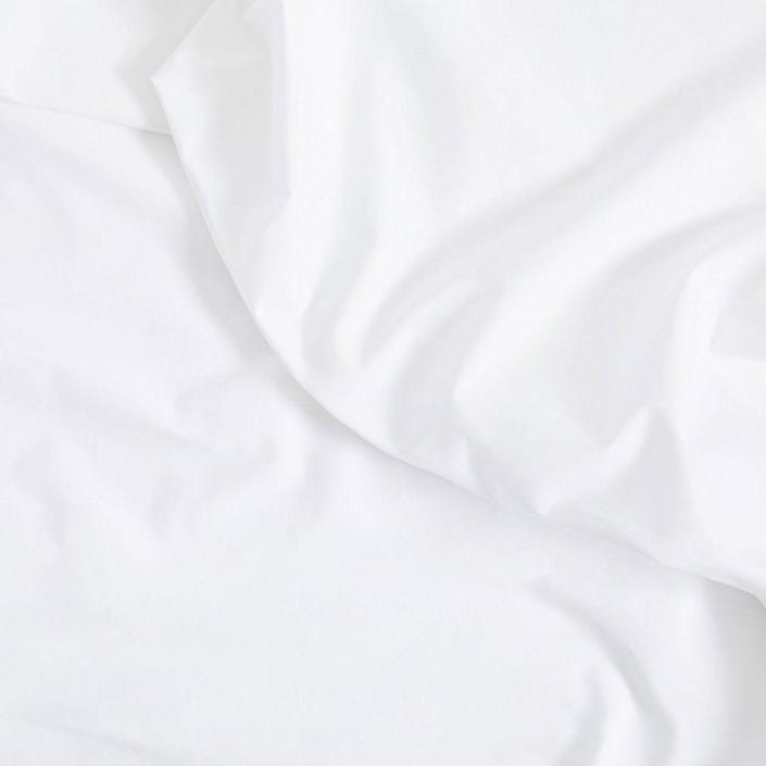 """<p><strong>Brooklinen</strong></p><p>brooklinen.com</p><p><strong>$139.00</strong></p><p><a href=""""https://go.redirectingat.com?id=74968X1596630&url=https%3A%2F%2Fwww.brooklinen.com%2Fproducts%2Fclassic-core-sheet-set&sref=https%3A%2F%2Fwww.housebeautiful.com%2Fshopping%2Fhome-accessories%2Fg33623901%2Fbest-bedding%2F"""" rel=""""nofollow noopener"""" target=""""_blank"""" data-ylk=""""slk:BUY NOW"""" class=""""link rapid-noclick-resp"""">BUY NOW</a></p><p>Brooklinen's Classic Core sheets have a crisp percale weave and are made with 100 percent long-staple cotton. </p>"""