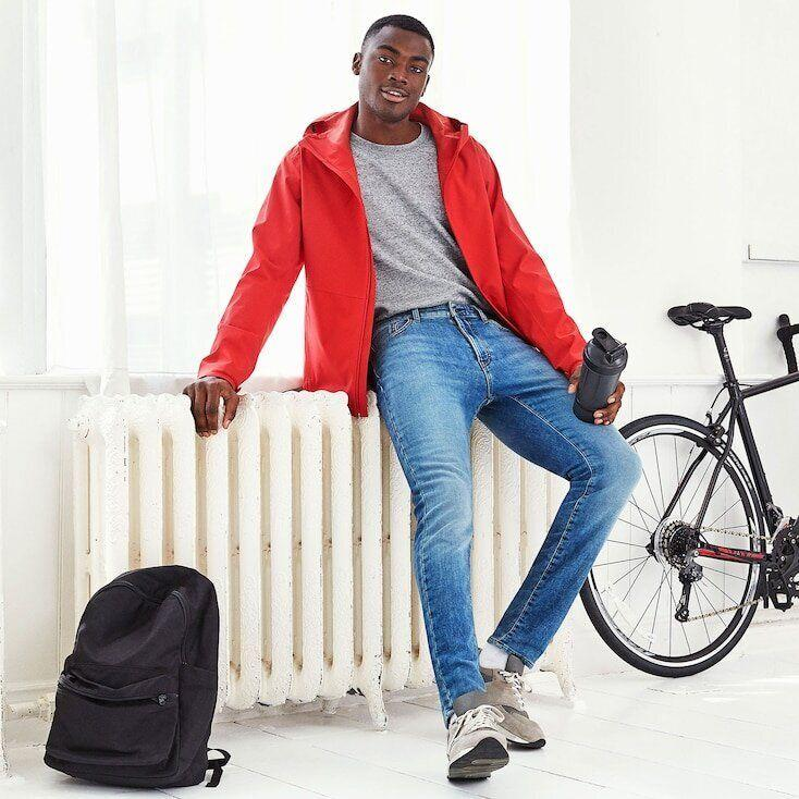 """Even the description of these jeans says they have the """"comfort of sweats."""" <strong><a href=""""https://fave.co/306Y1i2"""" target=""""_blank"""" rel=""""noopener noreferrer"""">Find this pair at Uniqlo</a></strong>."""