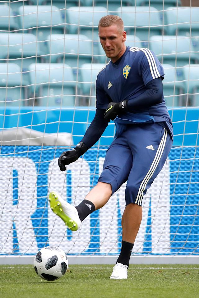 Soccer Football - World Cup - Sweden Training - Fisht Stadium, Sochi, Russia - June 22, 2018 Sweden's Robin Olsen during training REUTERS/Francois Lenoir