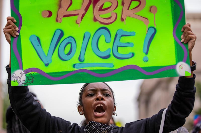 Breonna Taylor protesters urged nonviolence, then 2 Louisville police officers were shot