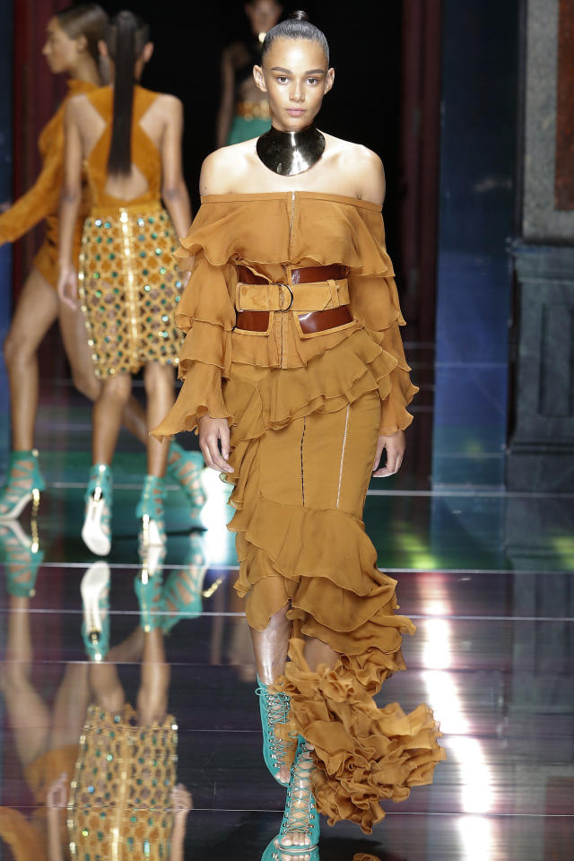 <p>Balmain Spring/Summer 2016 (Paris)<br /></p>