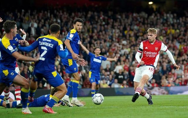 Emile Smith Rowe scores Arsenal's second