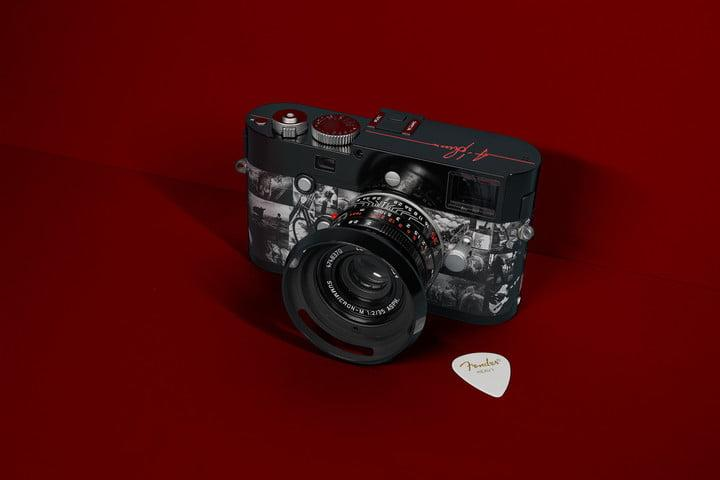 leica m monochrom signature special edition mono a summers red