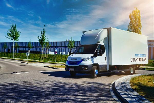 Quantron AG uses the technology of AE Driven Solutions GmbH (AEDS) to implement hydrogen drive solutions for vans from 3.49 tonnes upwards – initially for platform and box body vehicles based on the IVECO Daily, such as the Quantron Q-LIH2.
