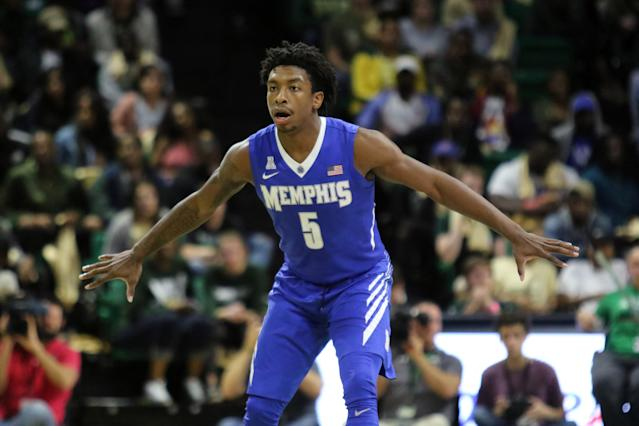 "<a class=""link rapid-noclick-resp"" href=""/ncaab/teams/map/"" data-ylk=""slk:Memphis Tigers"">Memphis Tigers</a> guard Kareem Brewton Jr. knocked down an unlikely buzzer-beater after getting his pass blocked. (Getty Images)"
