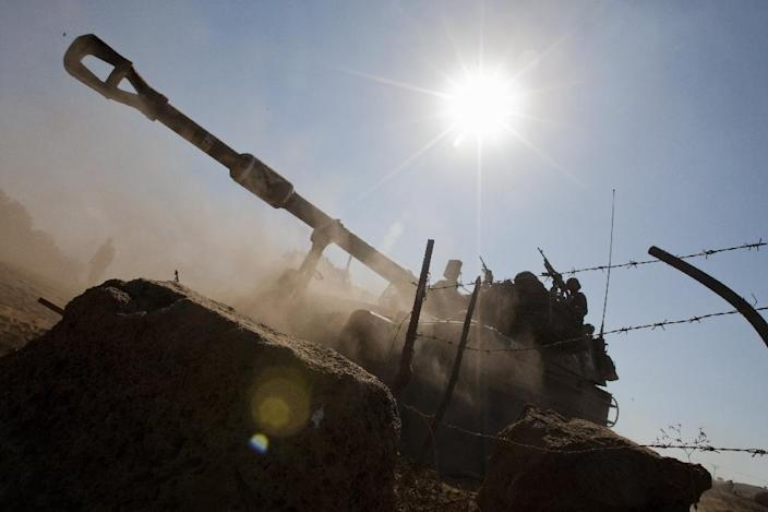 An Israeli mobile artillery drives during a military exercise in the Israeli-occupied Golan Heights on September 19, 2012, amid tensions over Iran's nuclear drive (AFP Photo/Jack Guez)