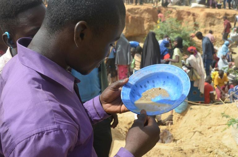 A gold rush is under way as hundreds of people flock to Kafa-Koira just outside the Niger capital Niamey