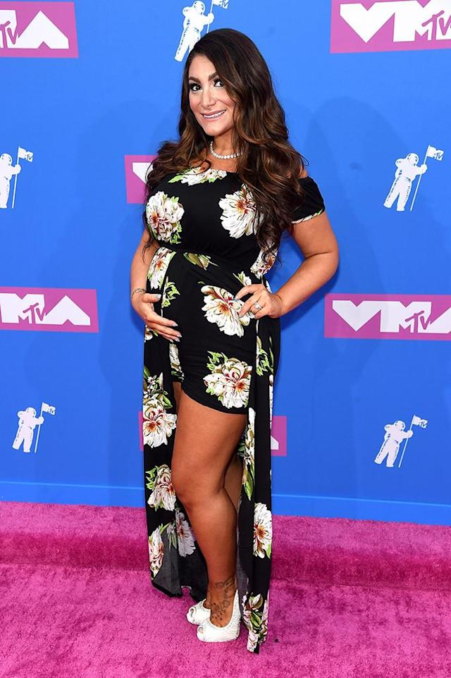<p>Deena Cortese attends the 2018 MTV Video Music Awards at Radio City Music Hall on August 20, 2018 in New York City. (Photo: Jamie McCarthy/Getty Images) </p>