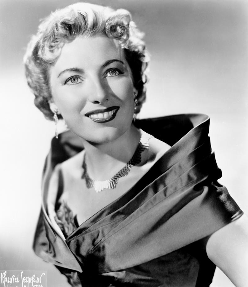 NEW YORK - CIRCA 1955: English singer Dame Vera Lynn poses for a portrait circa 1955 in New York city, New York. (Photo by Michael Ochs Archives/Getty Images)
