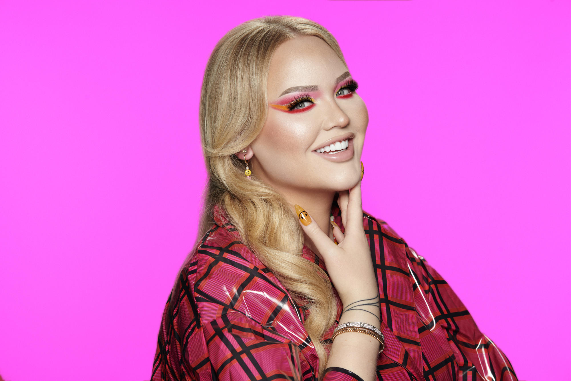 EXCLUSIVE: Nikkie de Jager Teams With Beauty Bay on Eye ...