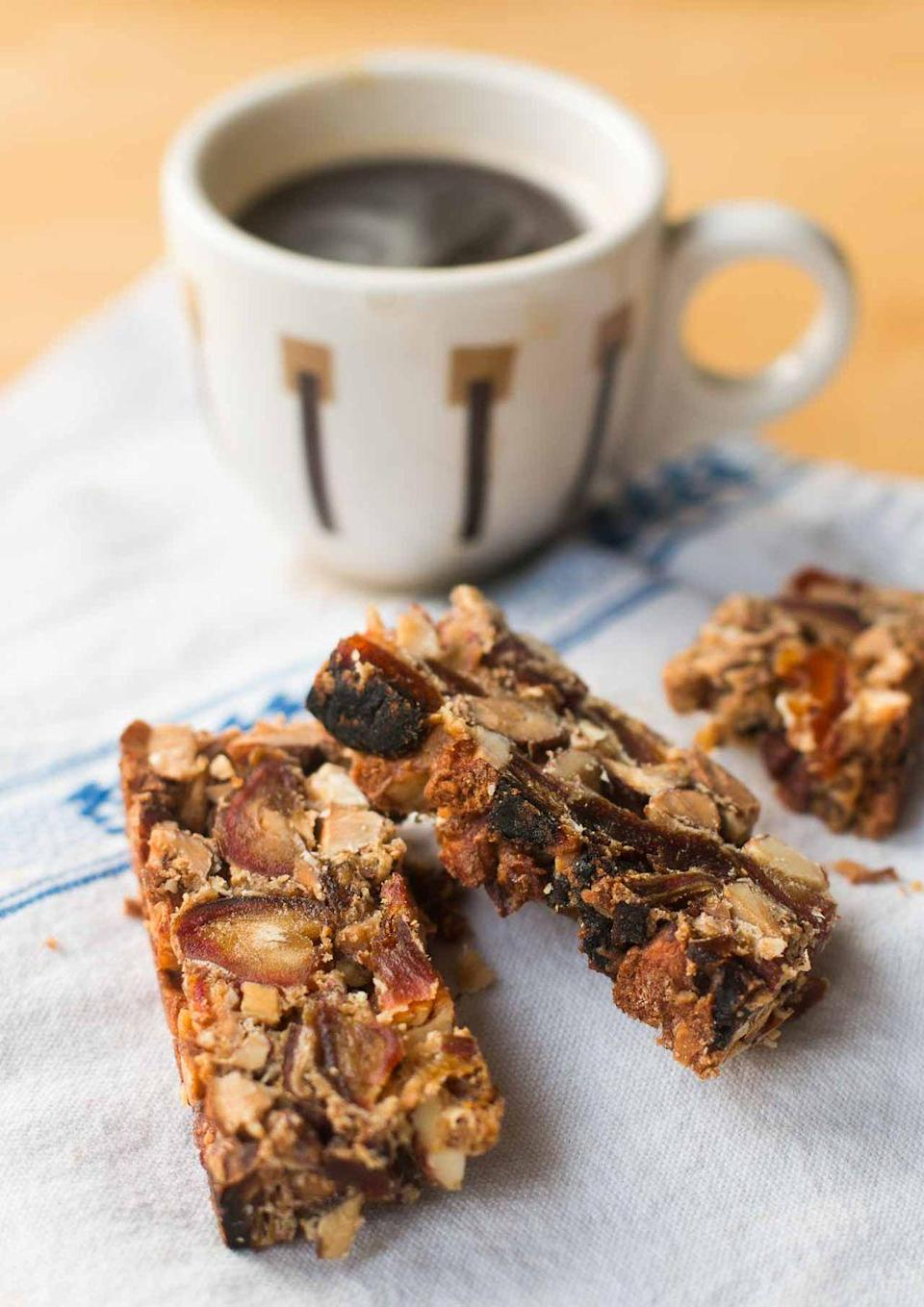 "<p>Just like a biscotti, serve these fruitcake bars to have alongside coffee after Christmas dinner.</p><p><strong>Get the recipe at <a href=""https://www.davidlebovitz.com/fruitcake-bar-recipe/"" rel=""nofollow noopener"" target=""_blank"" data-ylk=""slk:David Lebovitz"" class=""link rapid-noclick-resp"">David Lebovitz</a>.</strong></p><p><strong><strong><a class=""link rapid-noclick-resp"" href=""https://www.amazon.com/Jamie-Oliver-Professional-Heavy-guage-Construction/dp/B01D6KCLUM/ref=sr_1_1?tag=syn-yahoo-20&ascsubtag=%5Bartid%7C10050.g.3610%5Bsrc%7Cyahoo-us"" rel=""nofollow noopener"" target=""_blank"" data-ylk=""slk:SHOP BAKING PANS"">SHOP BAKING PANS</a></strong><br></strong></p>"